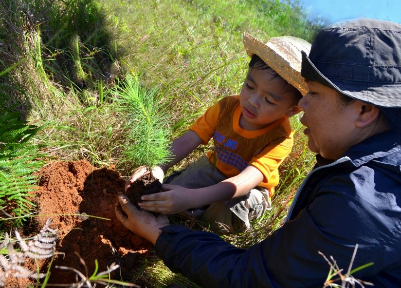 As communities in Benguet, Ilocos Sur and La Union recognize the importance of protecting and improving watersheds, children like Aiden are given the chance to plant trees for the future.